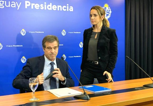 El canciller Ernesto Talvi anunció que el gobierno está en contacto con organismos y países para facilitar el regreso de uruguayos. Foto: Pablo S. Fernández