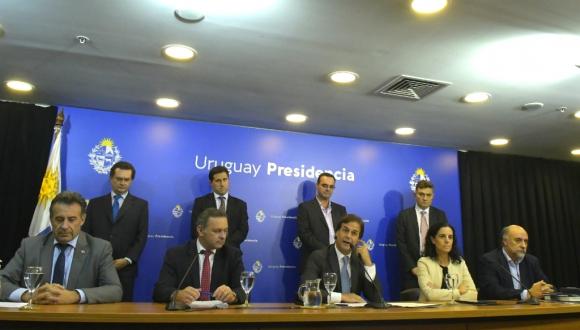 Conferencia de prensa del gobierno donde se anunciaron nuevas medidas por el coronavirus. Foto: Leonardo Mainé