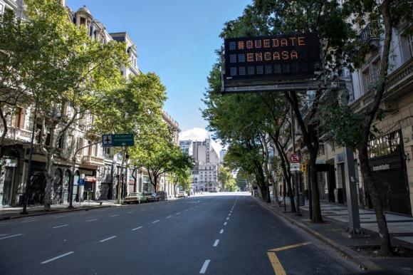 Buenos Aires se convirtió en una ciudad que está vacía en el segundo día de aislamiento - 22/03/2020 - EL PAÍS Uruguay