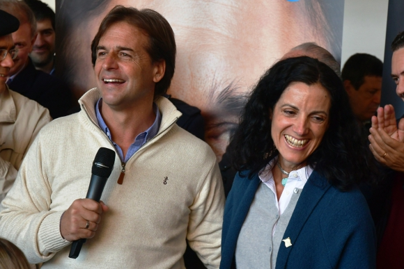 Luis Lacalle Pou y Azucena Arbeleche. Foto: Fernando Ponzetto.