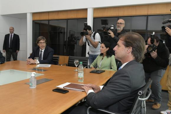 Javier Miranda, Azucena Arbeleche y Luis Lacalle Pou este martes. Foto: Leo Mainé