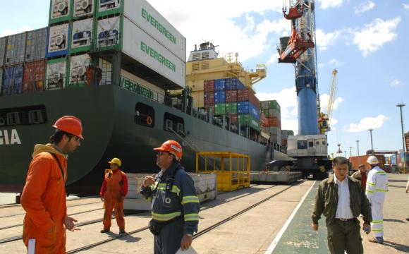 """Exportaciones cayeron 10,9% en el primer trimestre; analistas ven como """"positiva"""" la reactivación de la economía china, aunque esperan caida de otros mercados. Foto: Archivo El País"""
