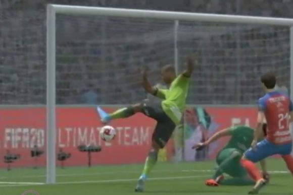 El gol de Diego Rolan en el Juárez-Chivas virtual.