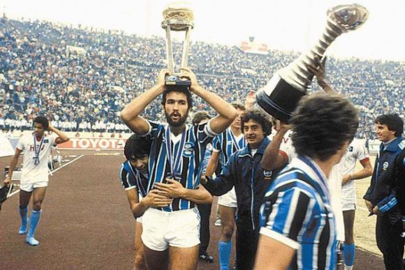 Hugo De León y su gran éxito con Gremio de Porto Alegre