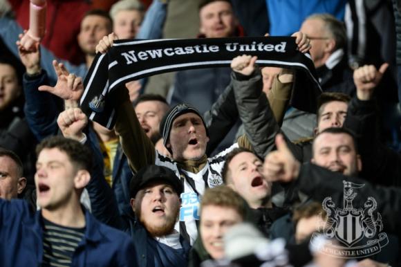 Afición del Newcastle en el St. James Park