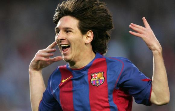 Lionel Messi celebra su primer gol en Barcelona. Foto: AFP.