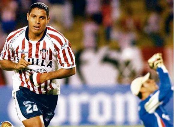 Sebastián Viera, hoy capitán de Junior, jugó aquel partido del debut de Suárez. FOTO: Cortesía El Heraldo.