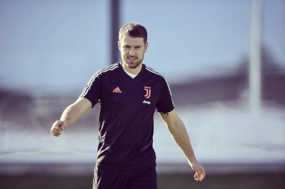 Aaron Ramsey es el primero en volver al complejo deportivo de la Juventus