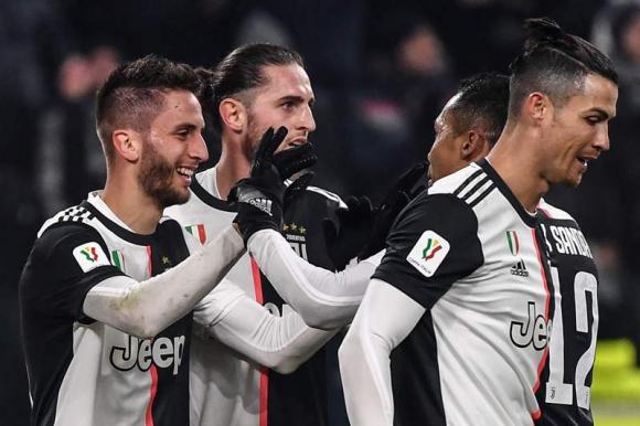 Rodrigo Bentancur celebra el gol anotado ante Roma. Foto: AFP.