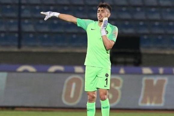 Santiago Mele defendiendo la camiseta del Osmanlispor.