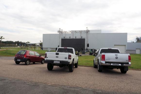 """""""Autoshow"""", el nuevo autocine de Punta del Este. Foto: El País."""