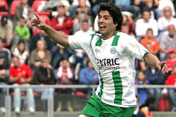 Luis Suárez con los colores del Groningen. Foto: Archivo.