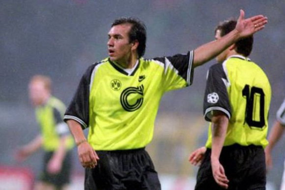 Ruben Sosa con los colores del Borussia Dortmund.