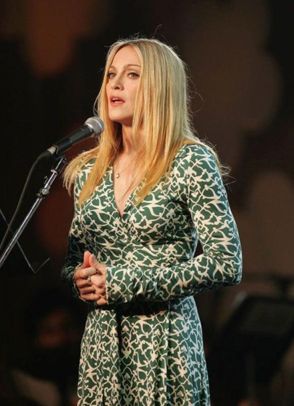 Madonna con su wrap dress
