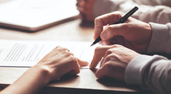 Contratos. Las términos de los acuerdos están sujetos a revisión para adaptarlos a la nueva realidad.