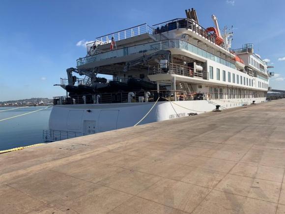 El crucero Greg Mortimer fue desinfectado. Foto:Twitter Ernesto Talvi.