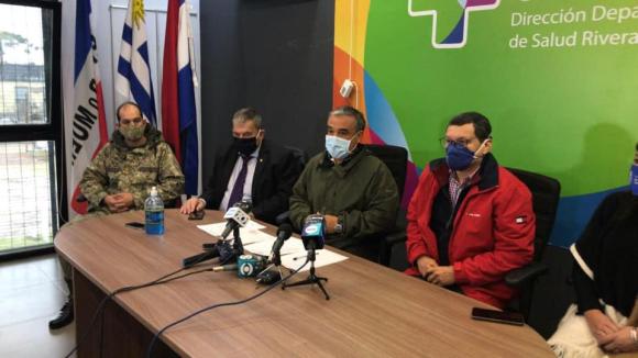 Conferencia de prensa ante primer fallecimiento de COVID-19 en Rivera. Foto: captura video Sentinela 24