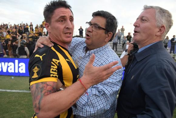 Cristian Rodríguez, Jorge Barrera y Rodolfo Catino. Foto: Archivo El País.