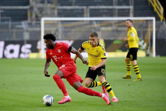 Alphonso Davies está llamado a ser una de las futuras estrellas del Bayern Munich. Foto: EFE