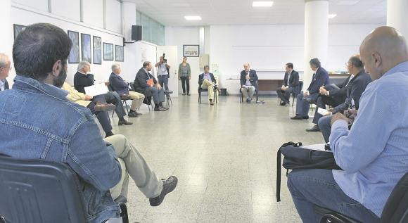Pandemia: gobierno, empresarios y trabajadores ya mantuvieron reuniones en el marco del distanciamiento social por el COVID-19. Foto: Gerardo Pérez