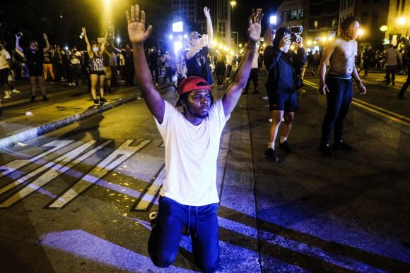Protestas contra la muerte de Floyd. Foto: AFP