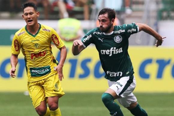 Matías Viña se ganó la titularidad de Palmeiras. FOTO: Archivo.