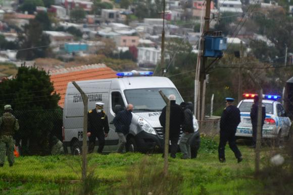 Tres marinos fueron asesinados en un destacamento del Cerro. Foto: Francisco Flores.