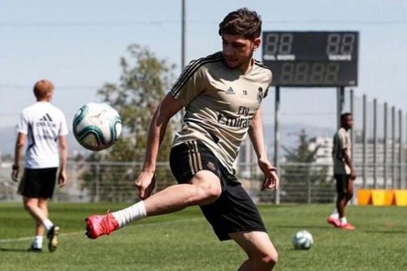 Federico Valverde en el entrenamiento con el Real Madrid. Foto: Instagram / fedeevalverde.