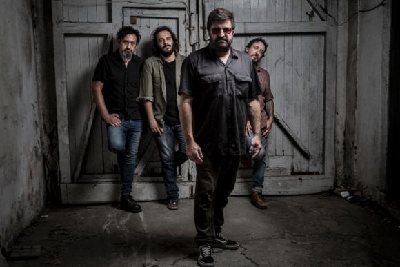 Manolo y Los Vespass. Foto: Martín De Rossa