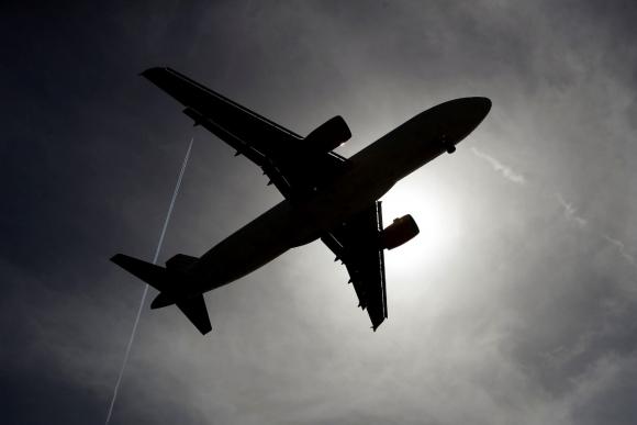 Solo carga. Algunas aerolíneas han modificado sus aviones de pasajeros para transportar productos e insumos con motivo de la pandemia.