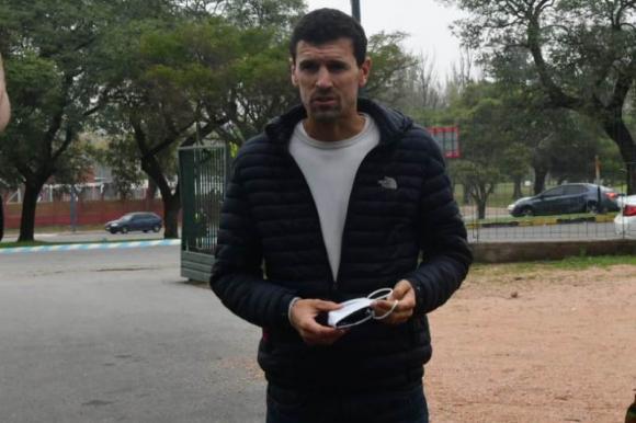 Diego Scotti en el Estadio Centenario en los hisopados por Covid-19. Foto: Francisco Flores.