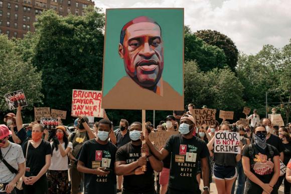 Protestas por la muerte de George Floyd. Foto: AFP.