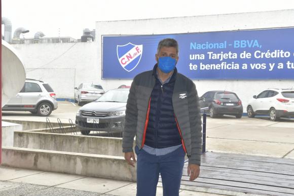 Gustavo Munúa también se hizo el hisopado en la sede tricolor