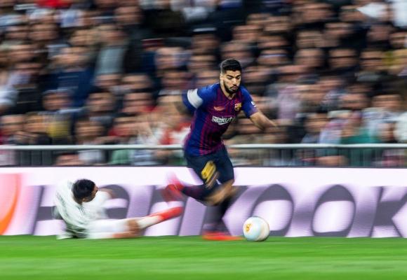Luis Suárez sufrió rotura de su menisco externo de la pierna derecha el 9 de enero. FOTO: EFE.