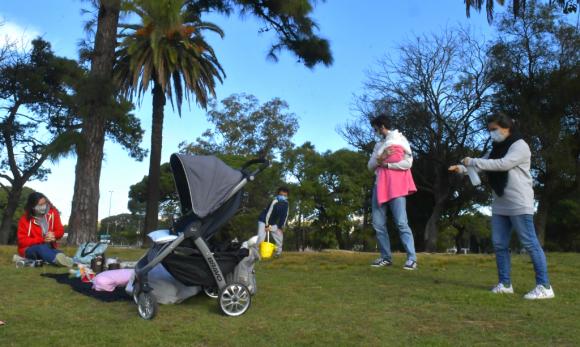Uruguayos se sienten menos ansiosos e intranquilos que resto de ciudadanos latinos. Foto: Leonardo Mainé