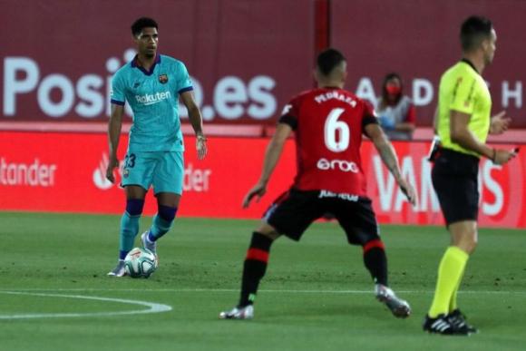 Ronald Araujo tuvo un rendimiento muy destacado en la zaga del Barcelona