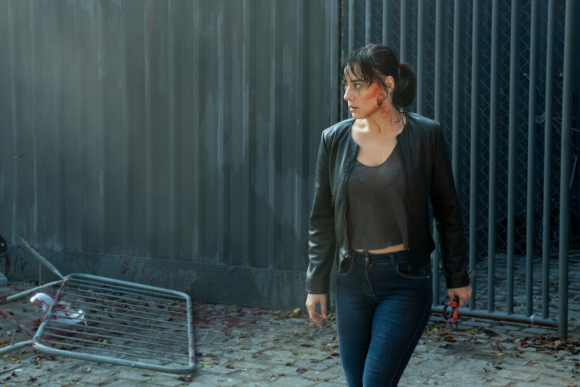 "Nina (Anna Hartmann) en ""Reality Z"", la serie brasileña de Netflix. Foto: Netflix"