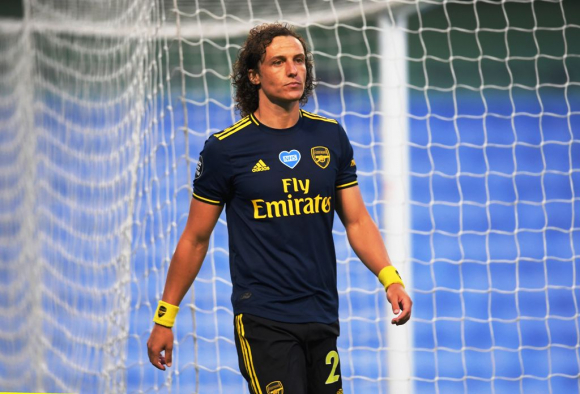 Tarde fatídica para David Luiz; hizo todo mal. FOTO: EFE.