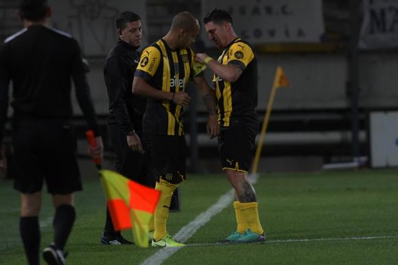Cambio en Peñarol: Guzmán Pereira por Cristian Rodríguez