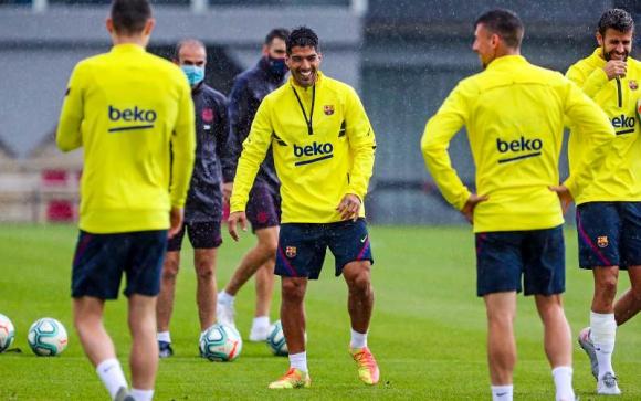 Luis Suárez durante uno de los entrenamientos con el Barcelona. Foto: @Barcelona.