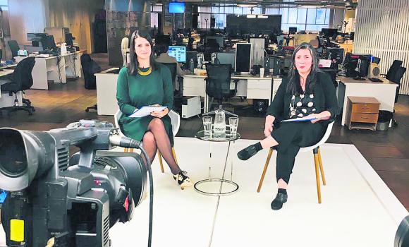 La editora Marcela Dobal y la gerente Ana Laura Pérez condujeron el evento.
