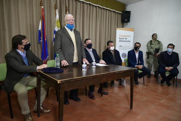 Luis Lacalle Pou, Elías Fuentes, Álvaro Delgado, Daniel Salinas, José Luis Satdjian y Leonardo Cipriani. Foto: Fernando Ponzetto.