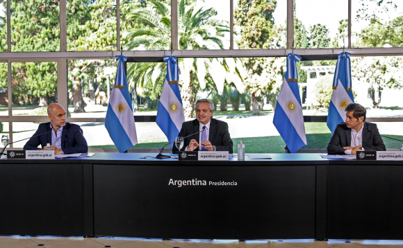Alberto Fernández, presidente de Argentina, este viernes en conferencia de prensa. Foto: AFP