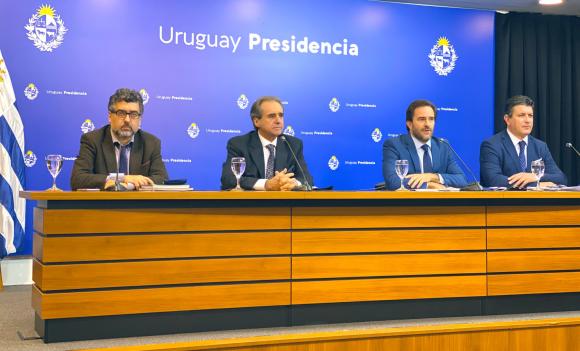Germán Cardoso y su equipo presentaron el nuevo protocolo para la reactivación turística. Foto: @compresidencia