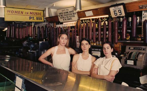 """La banda HAIM. para el disco """"Women in Music Pt III"""". Foto: Difusión"""