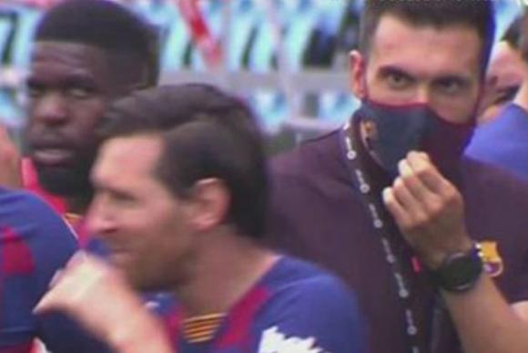 Las imágenes que revelan que Messi no atendió las indicaciones de Sarabia
