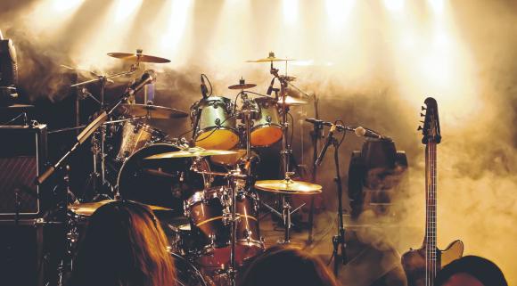 Escenario en un recital de música. Foto: Shutterstock