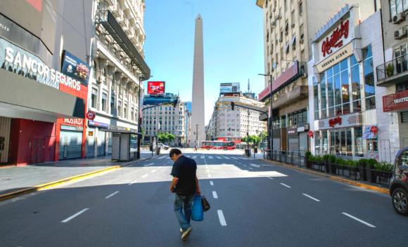 El centro de Buenos Aires vacío por las medidas de confinamiento. Foto: La Nación (GDA)