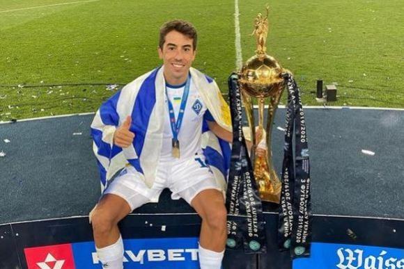 Carlos de Pena campeón en Ucrania y siendo figura del Dinamo Kiev - Ovación - 08/07/2020 - EL PAÍS Uruguay