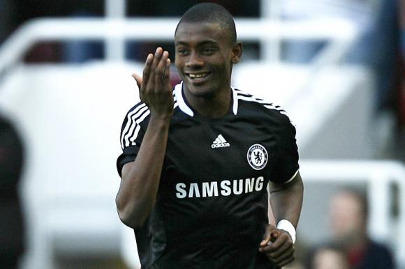 Salomon Kalou con la camiseta del Chelsea. Foto: AFP.